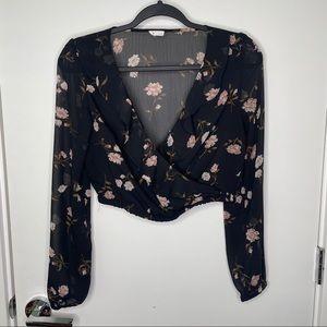 🎁4/20$🎁 Floral wrap long sleeve crop top